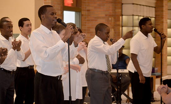 The-MHS-choir-entertained-the-crowd-with-renditions-of-a-variety-of-songs